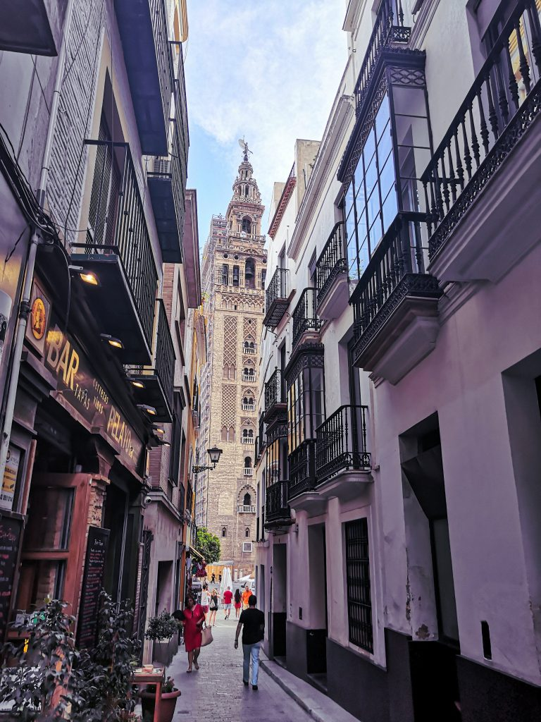 Seville Travel Guide | La Giralda