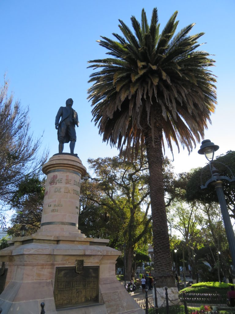 What to do in Sucre Bolivia | Plaza 25 de Mayo